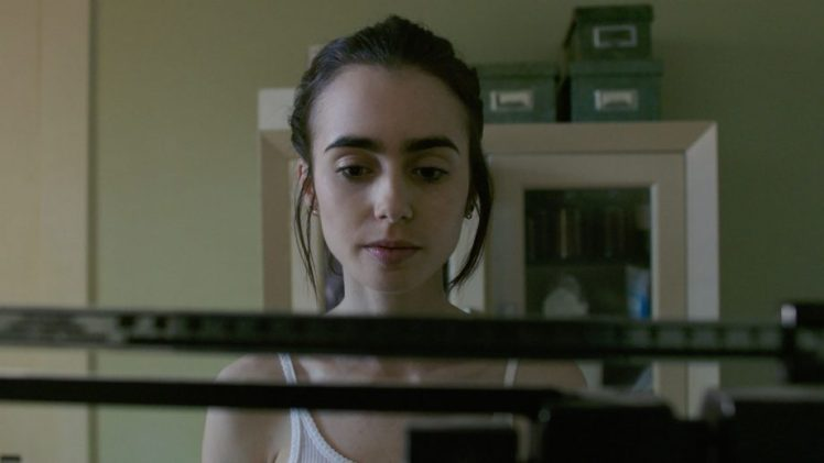 Lily-Collins-To-The-Bone-landscape-920x518