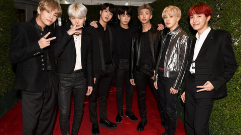 bts-2017-ama-awards-carpet-billboard-1548